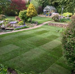 A little turf job at Ravenshead, Nottingham: Click Here To View Larger Image